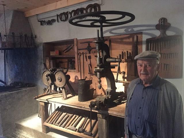 Il cunfundatur dal museum da la regiun turistica da Lai è Pol Antoni Hartmann da Muldain.