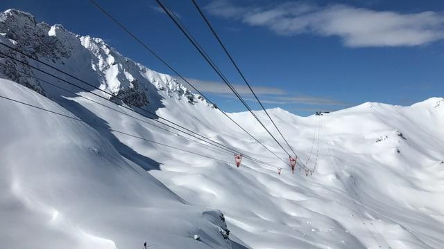 La pendiculara che collia il territori da skis da Lai cun quel d'Arosa.