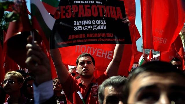 Demonstration gegen die Arbeitslosigkeit und Krisenpolitik in Sofia, Bulgarien (Mai, 2010).