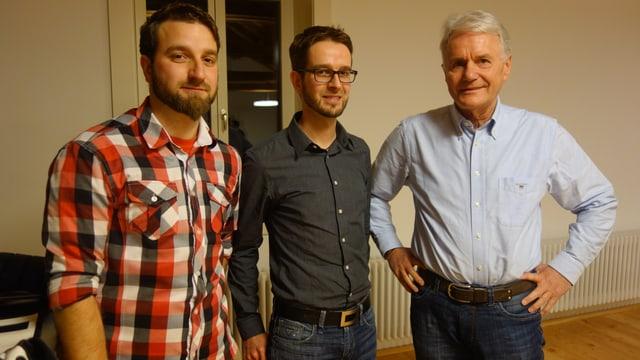Ils frars Christoph ed Alexander Nadig, sco era Albert Mächler vulessan manar il nov Don Bosco (da sanester a dretg).