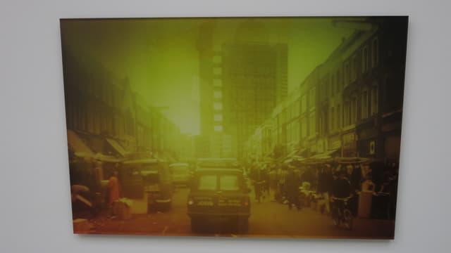 Ein Bild mit viel Gelbstich zeigt Architektur aus London.