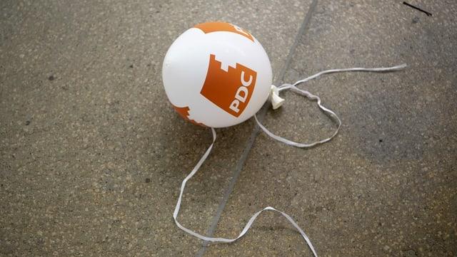 Ballun d'aria cun il logo da la PCD
