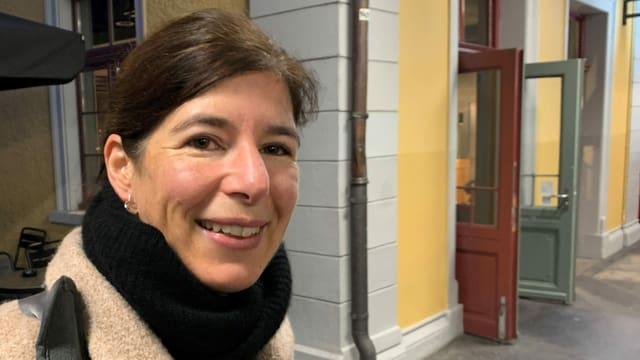Simona Brizzi am Bahnhof Baden