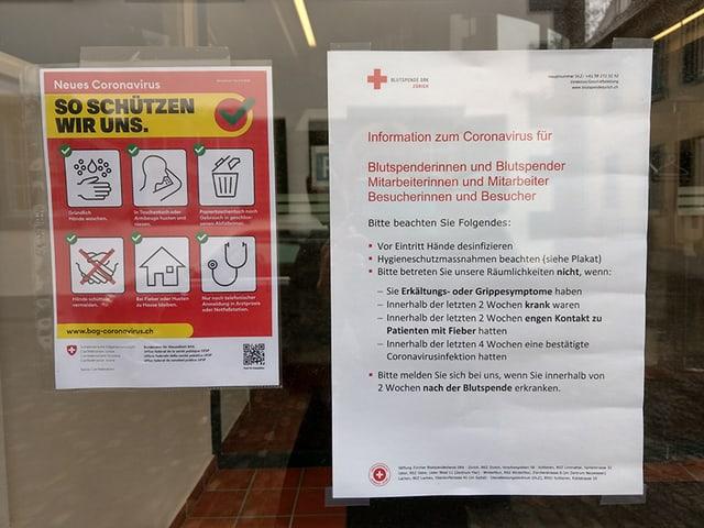 Plakat am Blutspendezentrum