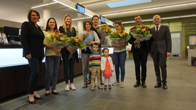 Die Regierungsräte Elisabeth Ackermann und Baschi Dürr begrüssen die neuen Einwohnerinnen und Einwohner.