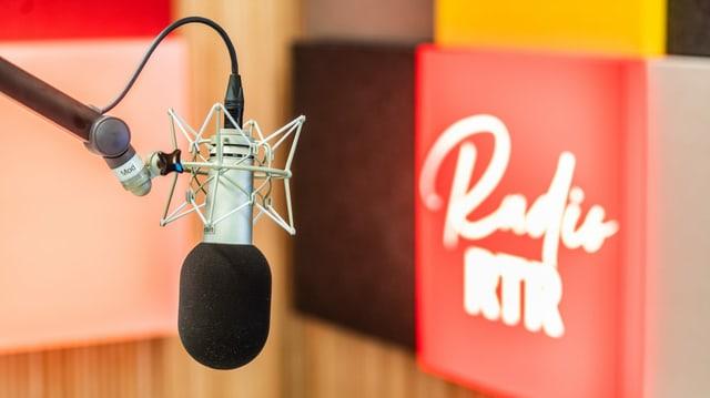 Radiomikrofon und Logo Radio RTR
