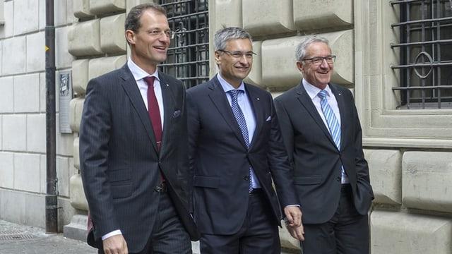 Reto Wyss (PCD), Guido Graf (PCD) e Robert Küng (PLD), da san.