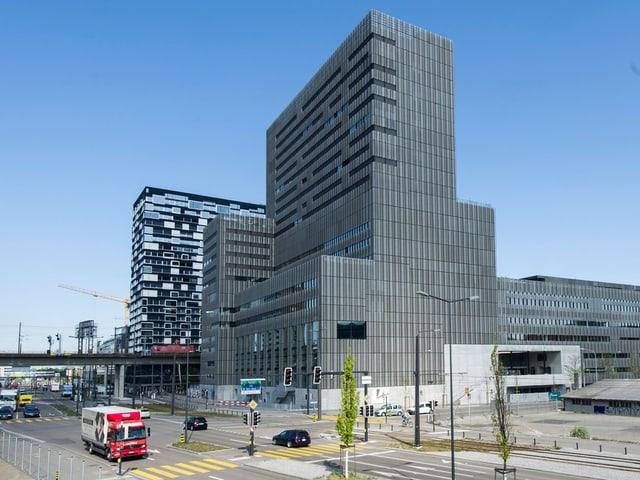 Hat eine grössere Nutzfläche als der nahe gelegene Primetower: das Toni-Areal in Zürich.
