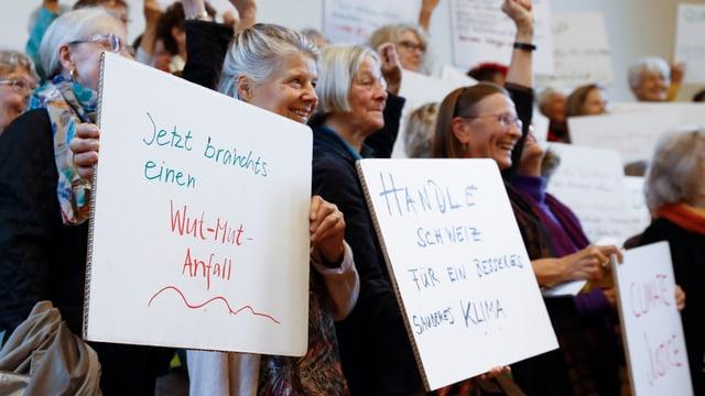 Der Verein KlimaSeniorinnen fordert eine Korrektur in der Schweizer Klimapolitik.