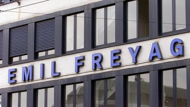 Emil Frey Gebäude.