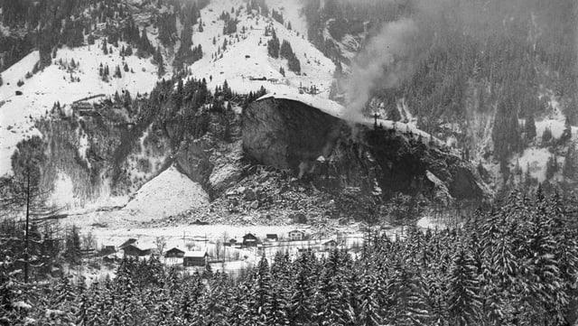 Durant la notg sin ils 20 december 1947 è sballunada la paraid-crap a Blausee-Mitholz.