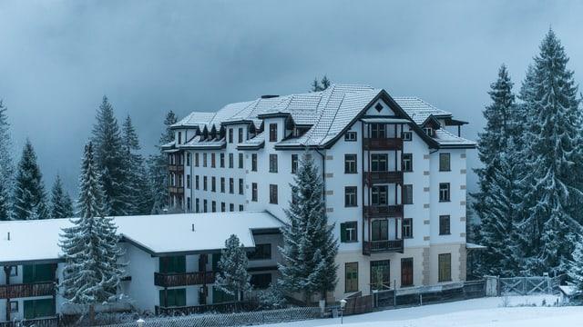 Il hotel vegl en Val Sumvitg.