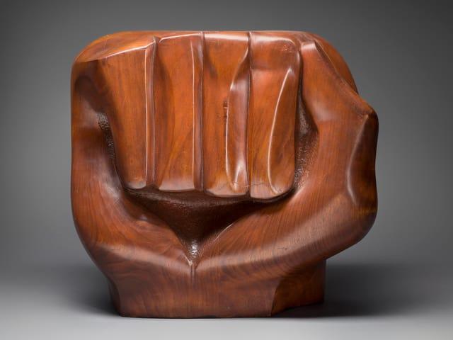 Elizabeth Catlett: «Black Unity», 1968.