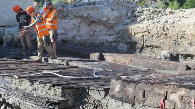 Archäologen arbeiten an einer Ausgrabungsstelle in Baden.