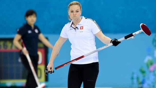 Skip Alina Pätz und die Schweiz messen sich in Sapporo mit den weltbesten Teams.
