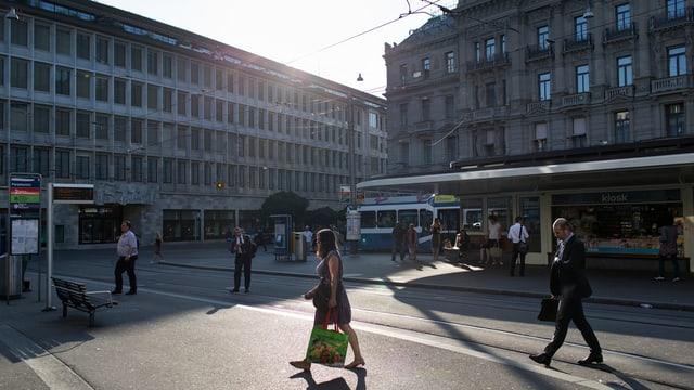 Il Paradeplatz a Turitg.
