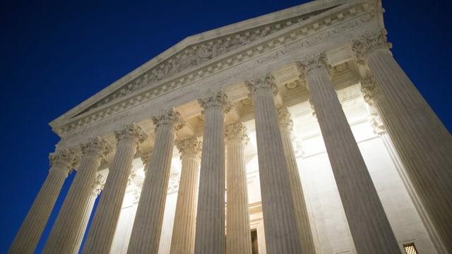 Derzeit gelten fünf Richter als konservativ, nach Ginsburgs Tod verbleiben noch drei im liberalen Block.