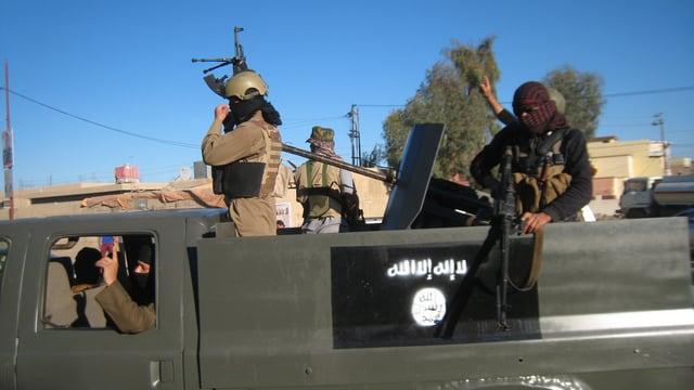 Kämpfer der Terrormiliz IS im März letzten Jahres in der irakischen Stadt Falludscha.