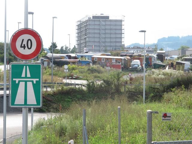 Hüttensiedlung im Schermenareal im Osten der Stadt Bern.
