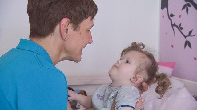 Video «Betreuung zuhause für schwer kranke Kinder» abspielen