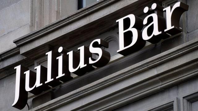 Schriftzug Julius Bär am Bankgebäude