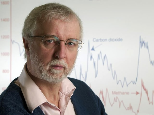 Herr Ende 60, graues Haar, Bart, Brille: Porträt des Klimatologen Raymond S. Bradley.