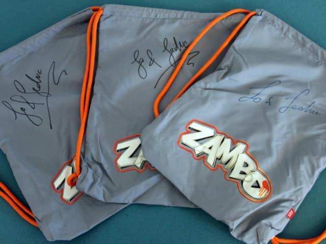 «Zambo»-Rucksack mit Unterschrift von Lo & Leduc