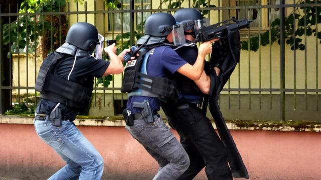 Eine Übung in der Polizeiausbildung.