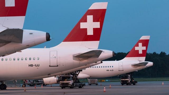 Maschinen der Swiss am Flughafen Zürich