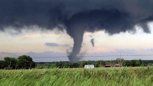 Video «Die grössten Naturkatastrophen: Tornados (3/6)» abspielen