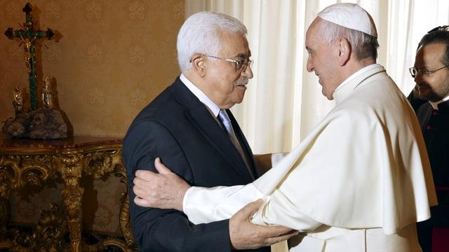 Mahmud Abbas ensemen cun papa Francestg