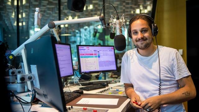 Il moderatur da Radio RTR: Elias Tsoutsaios