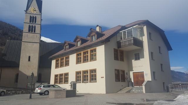 La scola industriala a Sta. Maria en la Val Müstair.