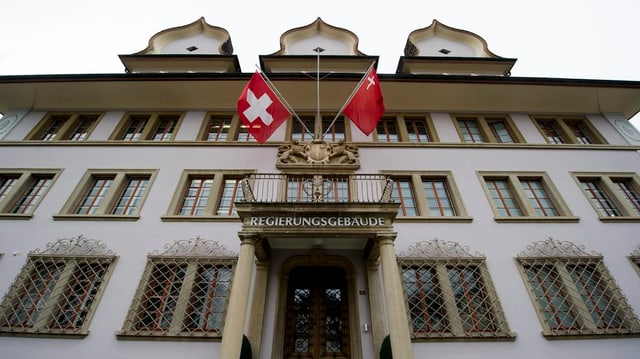 Das Schwyzer Regierungsgebäude von aussen.