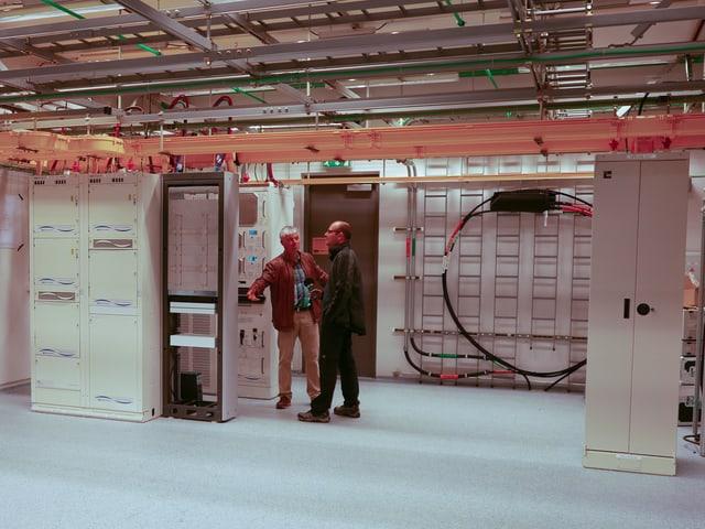Gähnende Leere: Die Geräte, die die Laser-Lichtwellen erzeugen, sind seit 2009 stark geschrumpft.