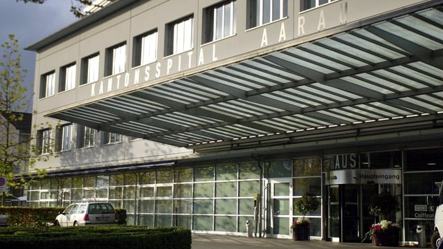 Eingang des Kantonsspitals Aarau