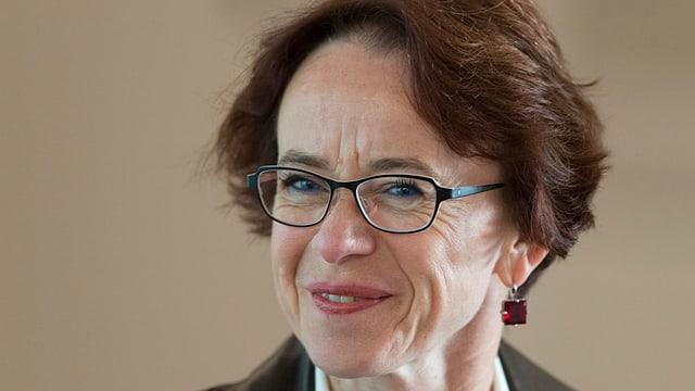 Eva Herzog lächelt