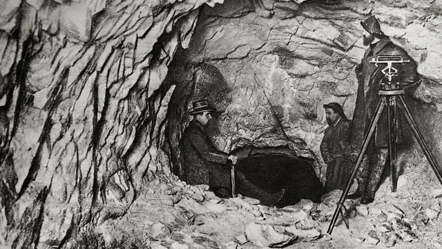 Las exchavaziuns difficilas per l'emprim tunnel da l'Alvra.