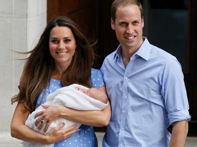 Prinz William und Catherine mit George Alexander.