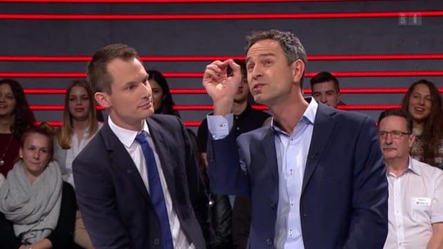 Moderator Projer mit Studiogast Daniele Ganser während der kritisierten Arena-Sendung.