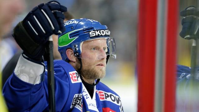 L'anteriur giugader da hockey Jan von Arx.