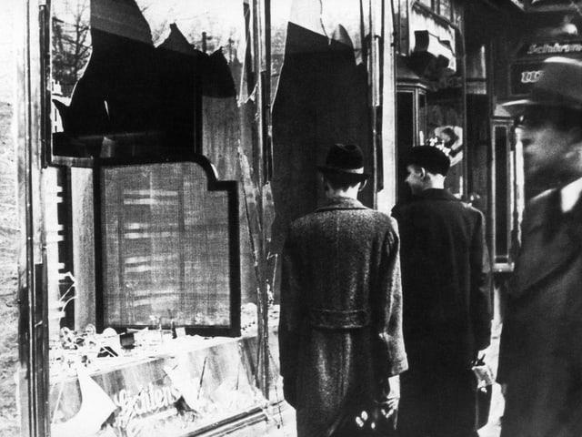 Zerschlagene Schaufenster in Berlin