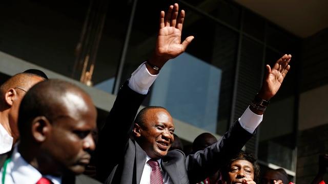 Uhuru Kenyatta nach der Wahl zum Präsidenten: Er jubelt.