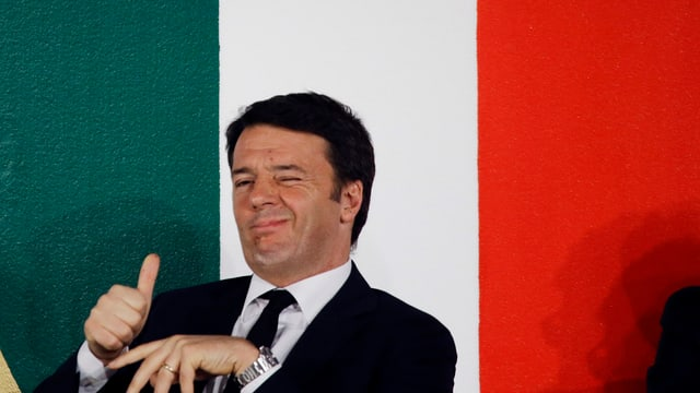 Renzi cun Thumbs up.