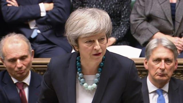 May verschiebt Brexit-Abstimmung im Parlament  (Artikel enthält Video)