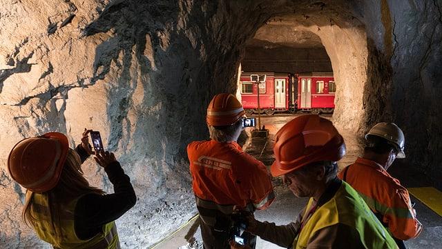 In pitschen tunnel da colliaziun tranter il vegl ed il nov tunnel.