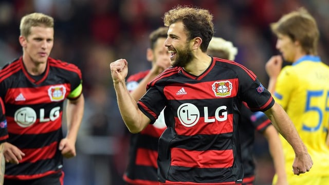 Admir Mehmedi suenter ses emprim gol en la Champions League.
