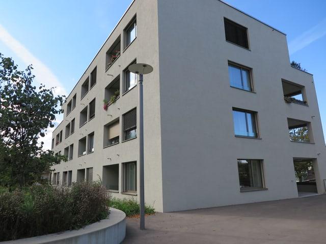 Aussenansicht eines der Gebäude der Siedlung Neuhushof