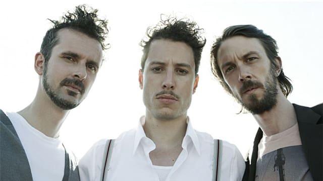 In Sachen Frisuren haben sich zwei Drittel der Band sich wohl für Freejazz entschieden. Mit Betonung auf «free».