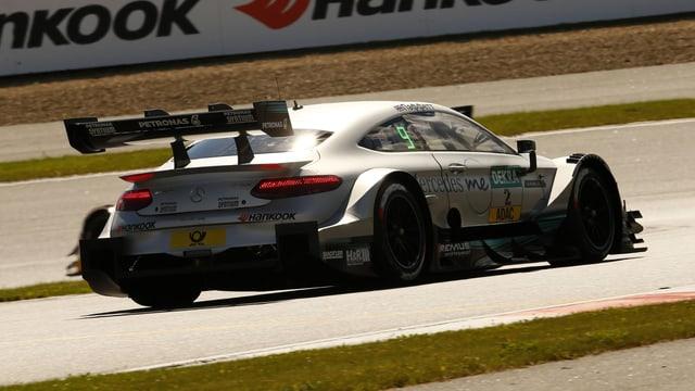 Ein Mercedes-Rennwagen in der DTM-Serie